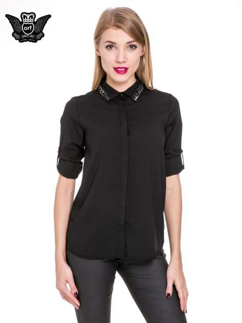 Czarna elegancka koszula z łańcuszkami na kołnierzyku                                  zdj.                                  5