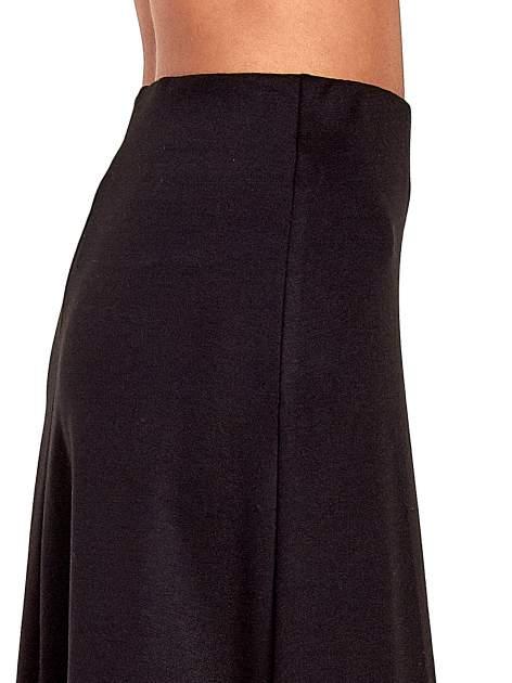 Czarna elegancka spódnica midi o rozkloszowanym kroju                                  zdj.                                  6