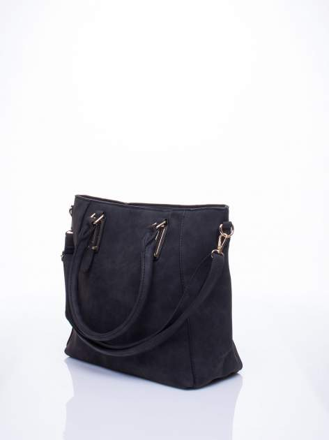 Czarna fakturowana torba z odpinanym paskiem                                  zdj.                                  2