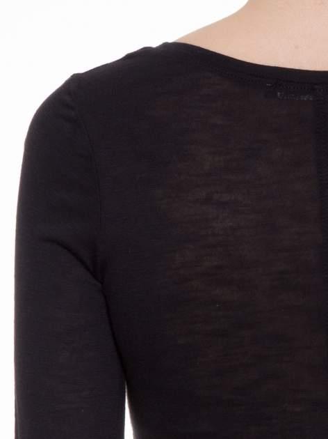 Czarna gładka bluzka z długim rękawem i przeszyciem z tyłu                                  zdj.                                  7