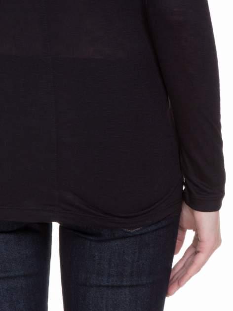 Czarna gładka bluzka z długim rękawem i przeszyciem z tyłu                                  zdj.                                  8