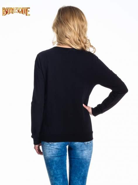Czarna klasyczna bluza damska z napisem IN LIFE SIMPLE IS BEST                                  zdj.                                  4