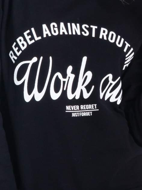 Czarna klasyczna bluza damska z napisem WORK OUT                                  zdj.                                  5