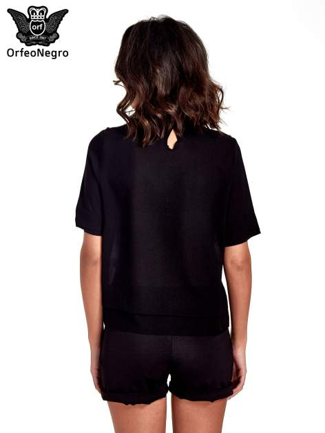 Czarna koszula dwuwarstwowa z biżuteryjnym dekoltem                                  zdj.                                  2