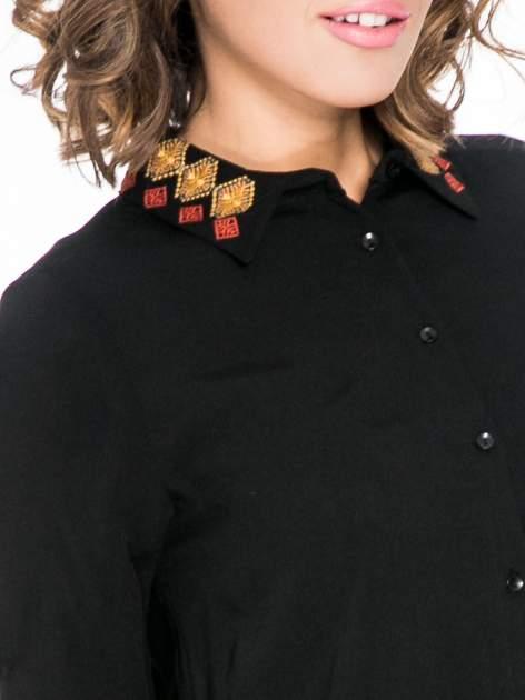 Czarna koszula z haftowanym kołnierzykiem                                  zdj.                                  7