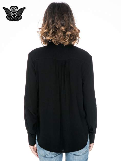 Czarna koszula z kołnierzykiem z ozdobnymi kamieniami                                  zdj.                                  4