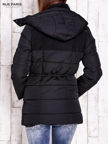 Czarna kurtka puchowa ze skórzanymi wstawkami                                  zdj.                                  4