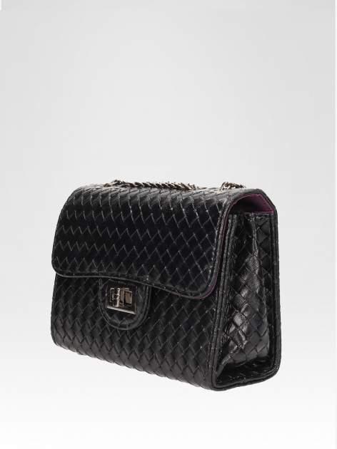 Czarna mała pleciona torebka na łańcuszku                                  zdj.                                  3