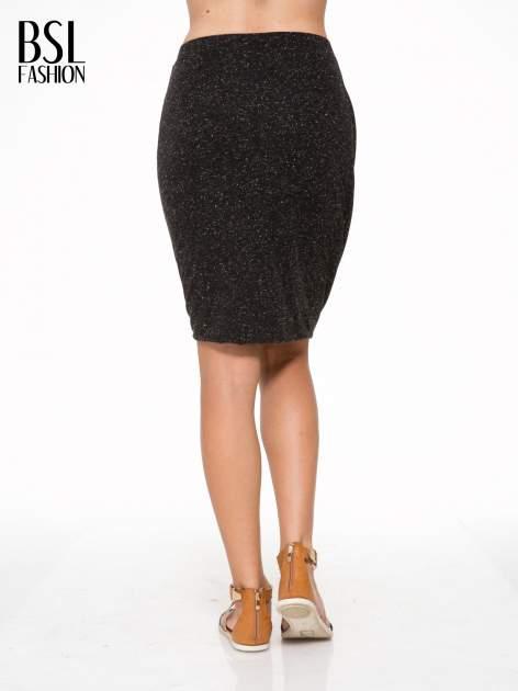 Czarna melanżowa spódnica z drapowaniem                                  zdj.                                  4