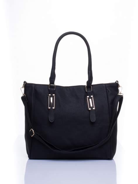 Czarna miejska torba z ozdobnymi klamrami                                  zdj.                                  1