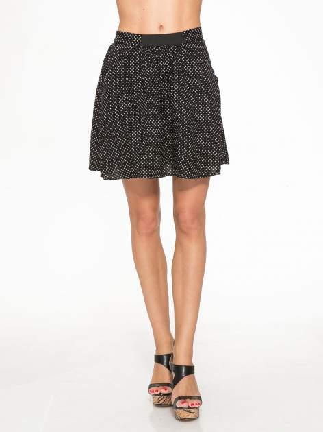Czarna mini spódnica w kropki