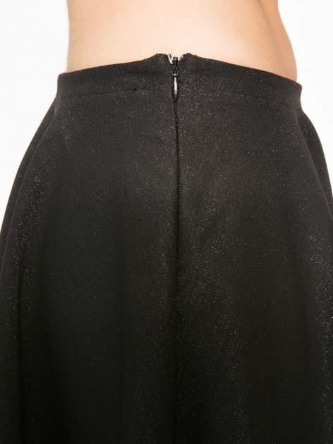 Czarna mini spódniczka przeplatana błyszczącą nicią                                  zdj.                                  9