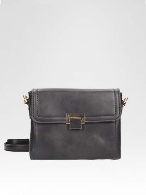 Czarna mini torebka listonoszka z klapką
