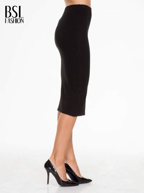 Czarna prążkowana dzianinowa spódnica za kolano                                  zdj.                                  3