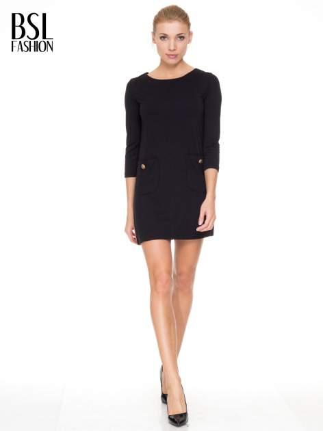 Czarna prosta sukienka z kieszonkami i suwakiem z tyłu                                  zdj.                                  2