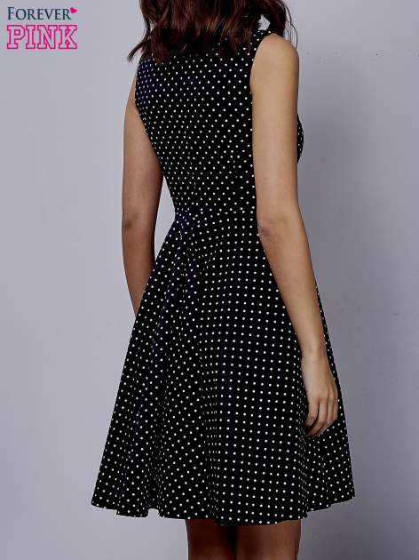 Czarna rozkloszowana sukienka w groszki                                  zdj.                                  2