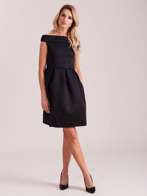Czarna rozkloszowana sukienka z pianki                              zdj.                              4