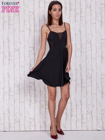 Czarna rozkloszowana sukienka z tiulowym dekoltem                                  zdj.                                  4