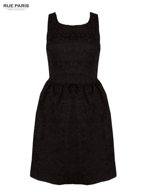 Czarna rozkloszowana sukienka z żakardowego materiału
