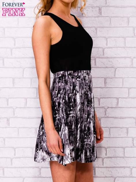 Czarna siatkowa sukienka z grafitowym dołem                                  zdj.                                  3