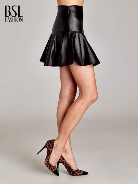 Czarna skórzana spódnica mini z falbaną                                  zdj.                                  3