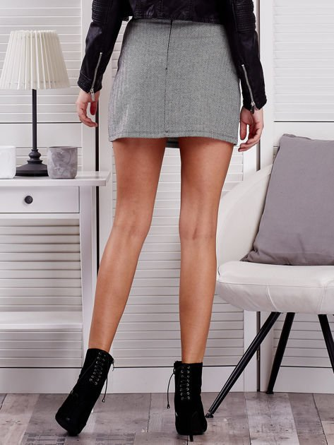 Czarna spódnica mini w jodełkę                                  zdj.                                  2