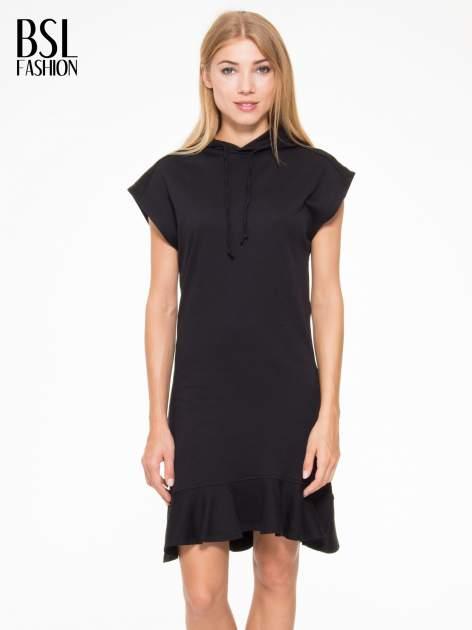 Czarna sukienka dresowa z falbaną na dole