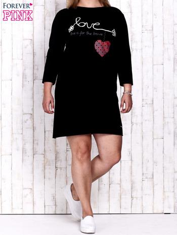 Czarna sukienka dresowa z napisem LOVE PLUS SIZE                                  zdj.                                  2