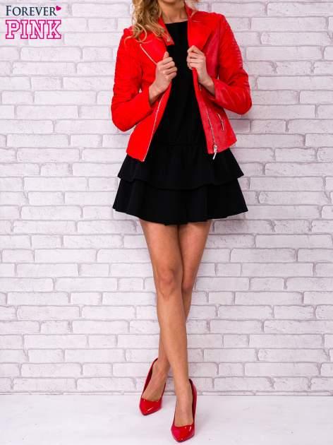 Czarna sukienka dresowa z podwójną falbaną                                  zdj.                                  2