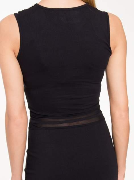 Czarna sukienka tuba z tiulowymi wycięciami                                  zdj.                                  8