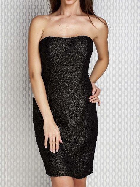 Czarna sukienka wieczorowa z błyszczącą nitką                              zdj.                              1