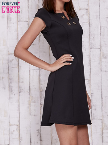 Czarna sukienka z dekoltem cut out                                  zdj.                                  3