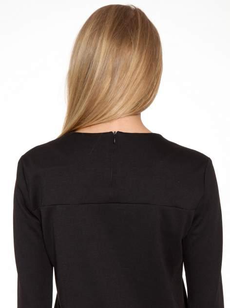 Czarna sukienka z kieszonką i dołem z pikowanej skóry                                  zdj.                                  12