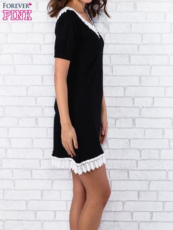 Czarna sukienka z koronkowym wykończeniem                                  zdj.                                  4