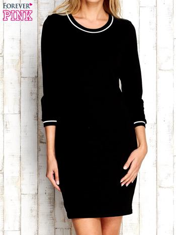 Czarna sukienka z rękawem 3/4                                  zdj.                                  1