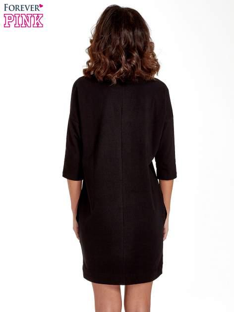 Czarna sukienka z rękawem za łokieć                                  zdj.                                  4