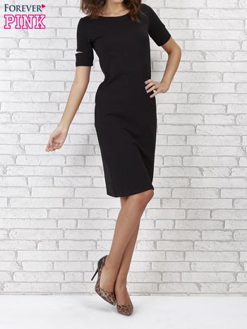 Czarna sukienka z rozcięciami na rękawach                                  zdj.                                  4