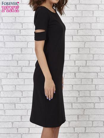 Czarna sukienka z rozcięciami na rękawach                                  zdj.                                  3