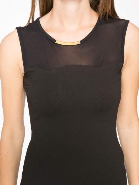 Czarna sukienka z siateczkowymi wstawkami na dekolcie i plecach                                  zdj.                                  9