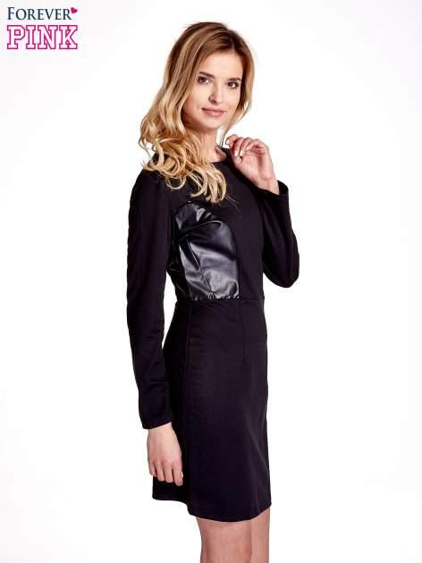 Czarna sukienka ze skórzanymi wstawkami                                  zdj.                                  3