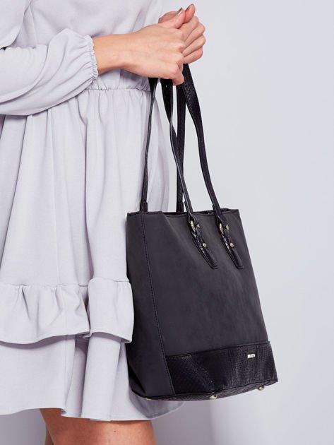 Czarna torba shopper z motywami skóry węża                              zdj.                              3