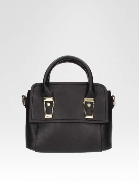 Czarna torebka kuferek z odpinanym paskiem                                  zdj.                                  1