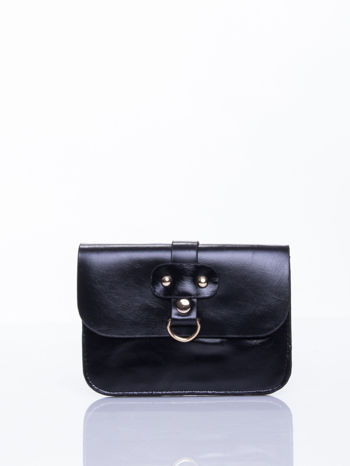 Czarna torebka listonoszka z klapką                                  zdj.                                  1
