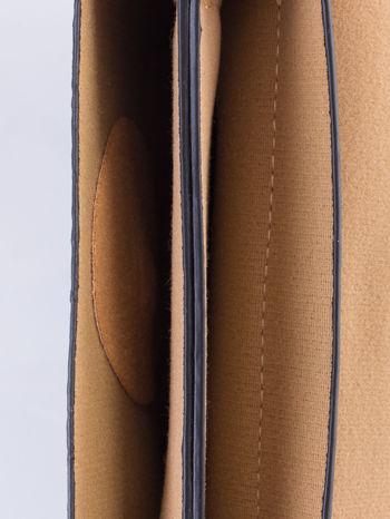 Czarna torebka listonoszka z klapką                                  zdj.                                  6