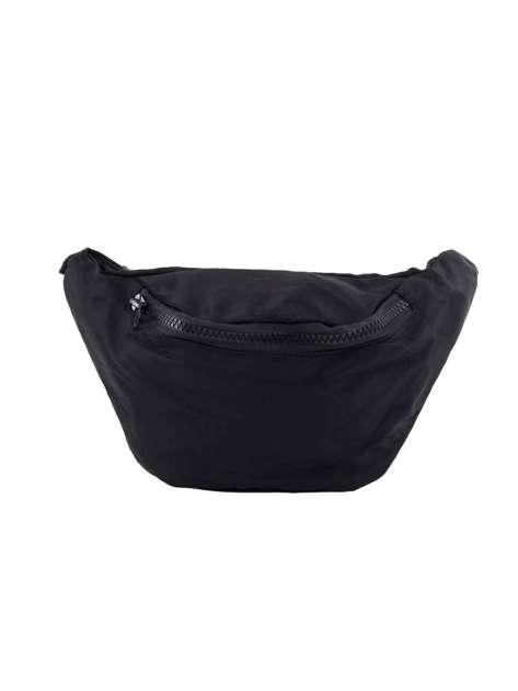 Czarna torebka nerka