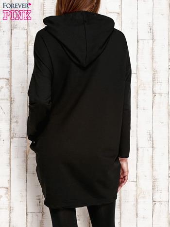 Czarna tunika z aplikacją ze sztrasów                                   zdj.                                  4
