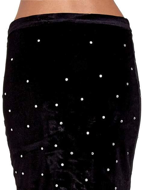 Czarna welurowa spódnica z kryształkami                                  zdj.                                  7