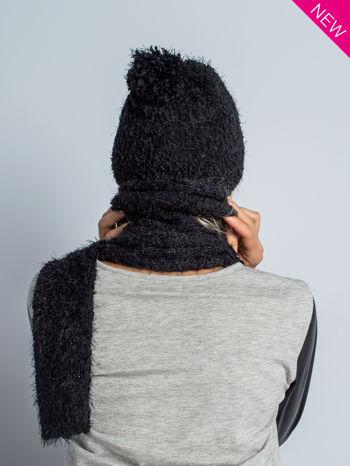 Czarna włochata czapka z pomponem                                  zdj.                                  2