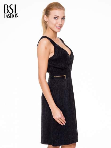 Czarna wzorzysta sukienka z suwakami                                  zdj.                                  3