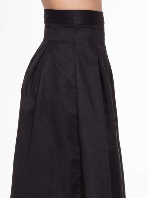 Czarna zamszowa spódnica midi z kontrafałdami                                  zdj.                                  5